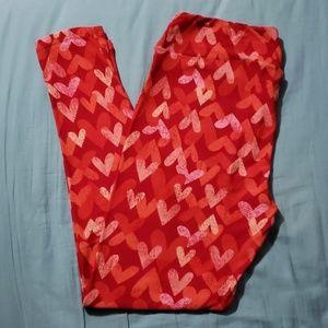 🎉🎊HP🎉🎊Tall & Curvy Heart Leggings